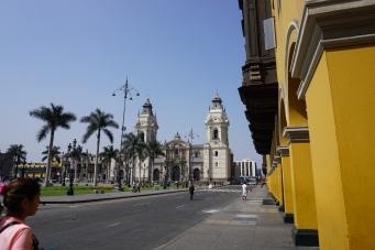 La Catedral de Lima, Plaza Major