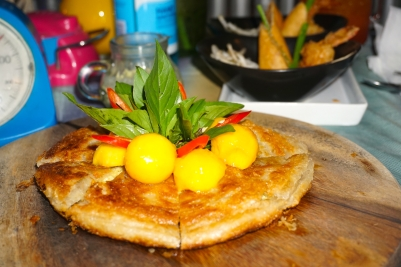 Green curry pie with mango and chilli